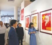 Chân dung Hồ Chí Minh