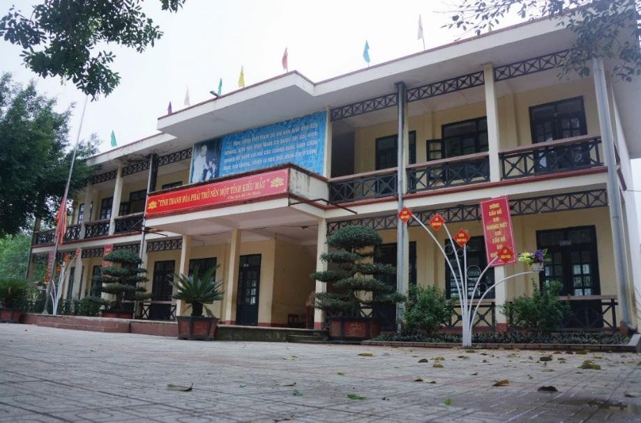 Trường Tiểu học Đồng Lương, nơi mới xảy ra án mạng.