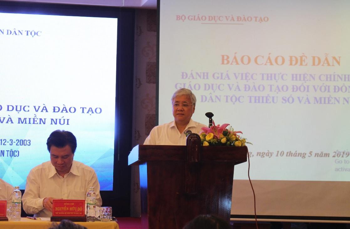 Bộ trưởng Đỗ Văn Chiến phát biểu tại hội thảo.