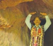Già làng người dân tộc thiểu số tỉnh Quảng Nam kể về những kỷ niệm chiến tranh trong hầm đường Hồ Chí Minh.