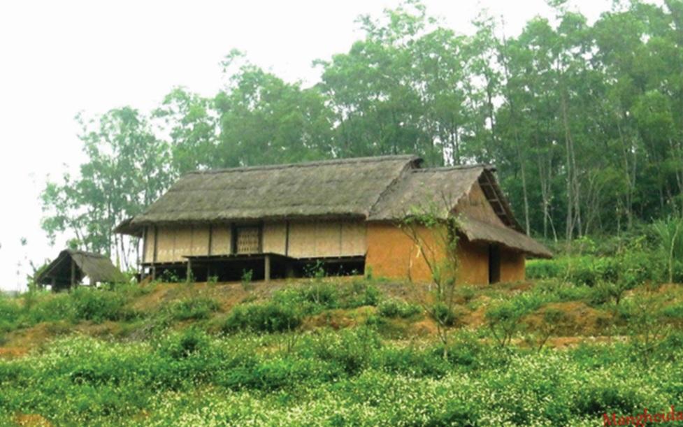 Ngôi nhà truyền thống của người La Chí.