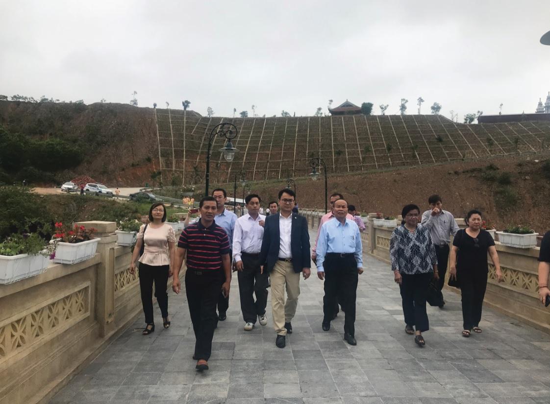 Đoàn công tác tìm hiểu thực tế công tác dân tộc, tôn giáo tại Tây Yên tử, tỉnh Bắc Giang.