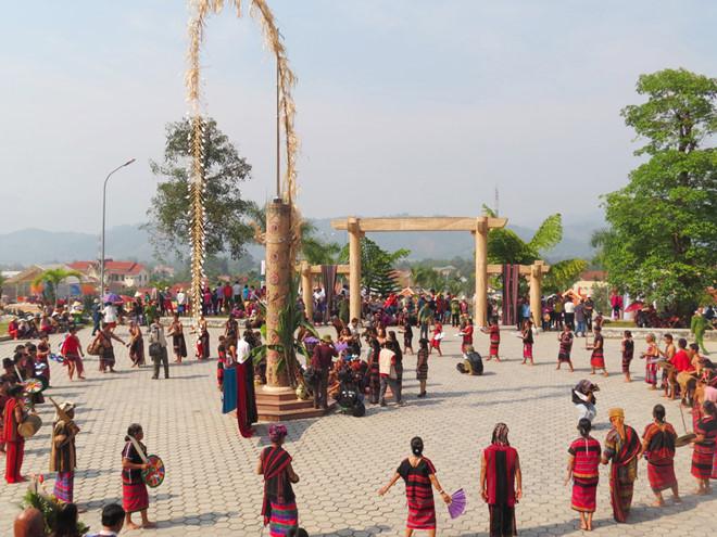 Lễ hội Ariêu Caar của đồng bào các dân tộc ở huyện A Lưới.