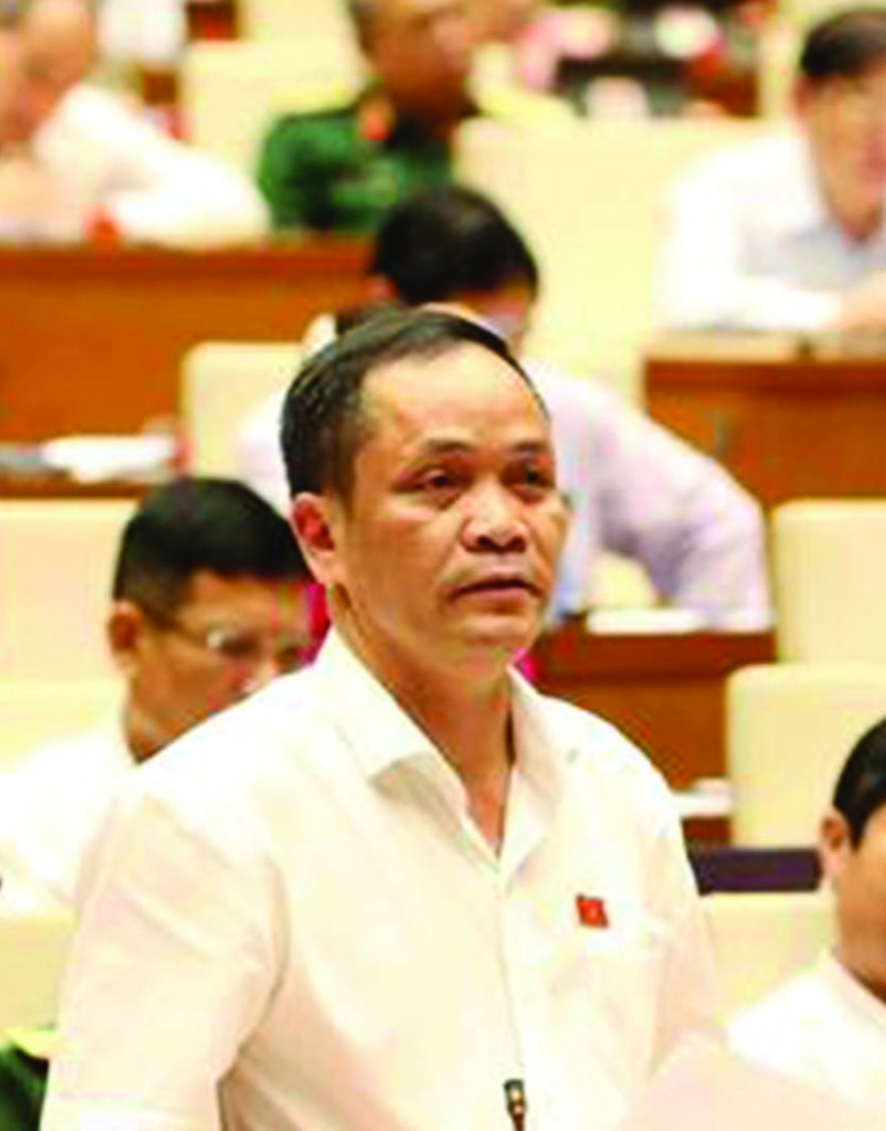 Đại biểu Rơ Châm Long (Kon Tum)