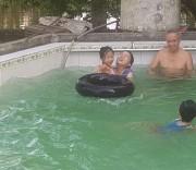 Dạy bơi miễn phí