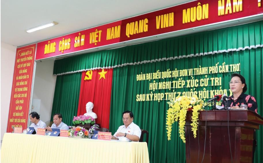 hủ tịch Quốc hội Nguyễn Thị Kim Ngân trả lời các vấn đề cử tri đặt ra.