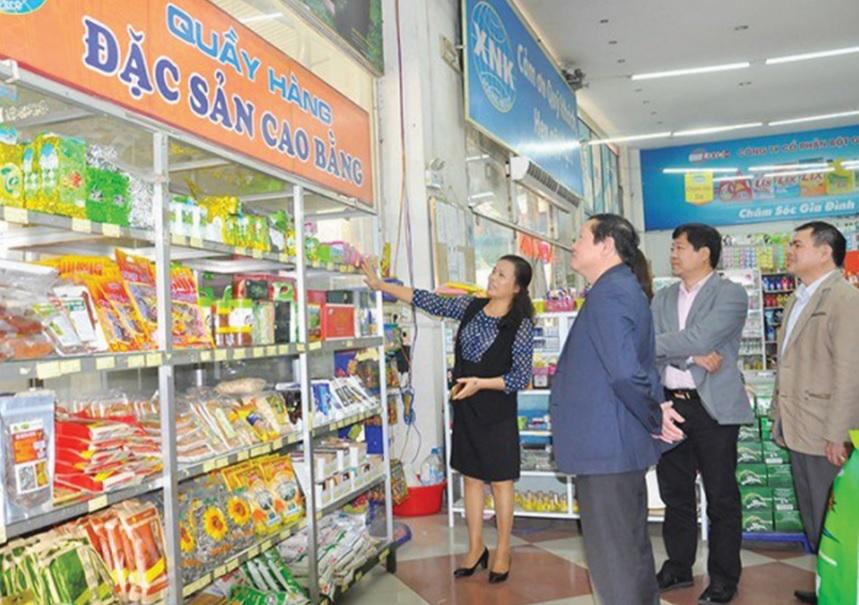 Sản phẩm thương hiệu Việt tại siêu thị Ngọc Xuân, Công ty cổ phần Xuất nhập khẩu Cao Bằng.