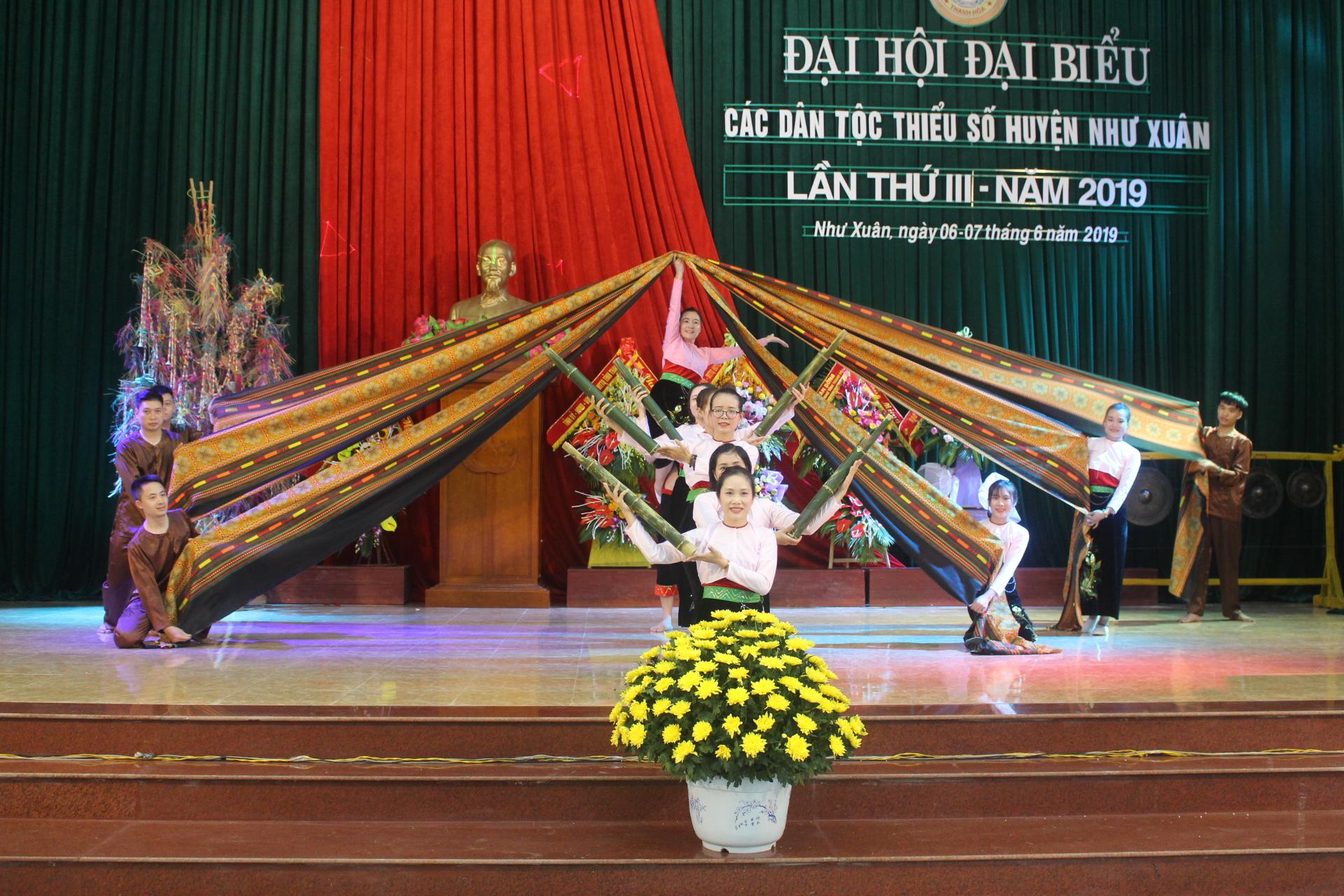 Các tiết mục chào mừng Đại hội đại biểu các DTTS huyện Như Xuân, tỉnh Thanh Hóa lần thứ III năm 2019.