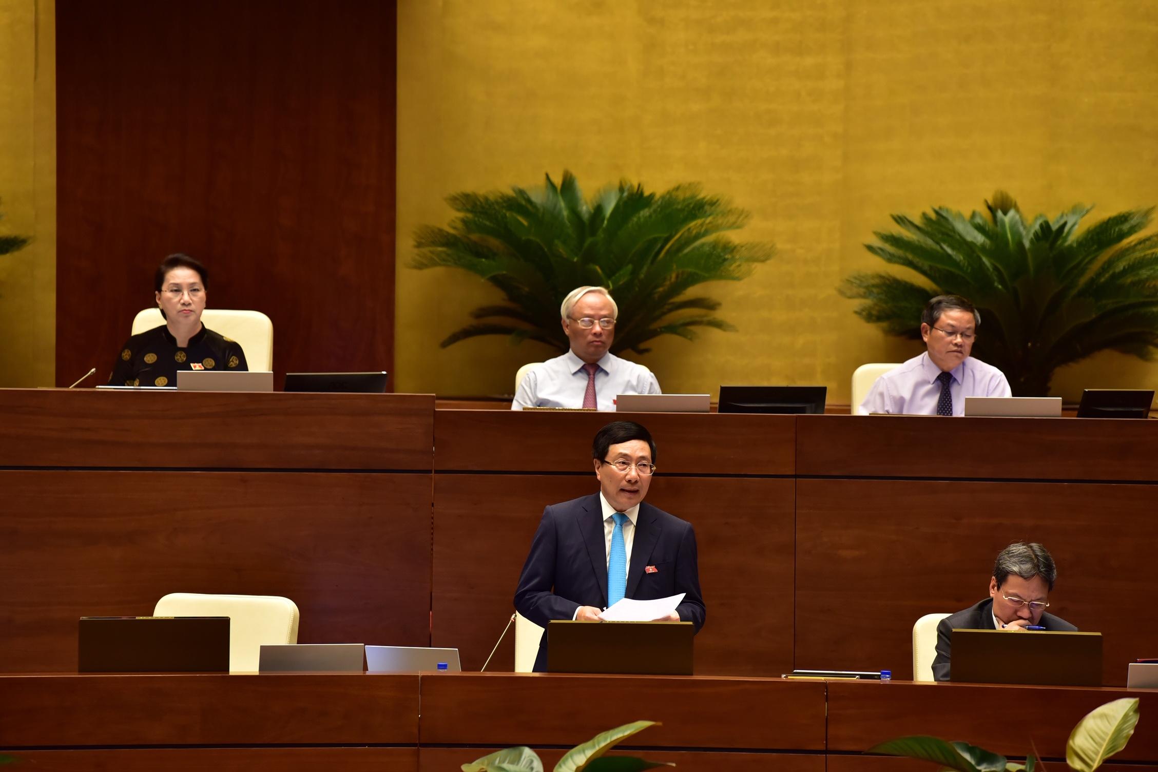 Phó Thủ tướng Chính phủ Phạm Bình Minh khẳng định sẽ ưu tiên nguồn lực hỗ trợ vùng dân tộc thiểu số, miền núi.