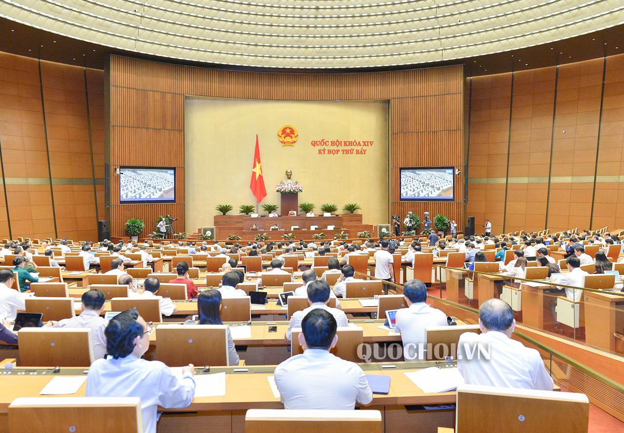 Đại biểu thảo luận tại hội trường về Chương trình giám sát của Quốc hội năm 2020.