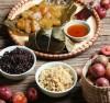 Những thức ăn truyền thống có trong Tết Đoan Ngọ (Ảnh: VOV.vn)