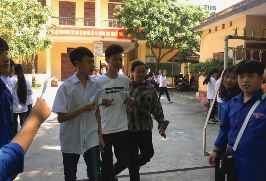 Nhiều học sinh miền núi ở Thanh Hóa đăng ký dự thi THPT quốc gia chỉ để xét tốt nghiệp mà không xét đại học, cao đẳng.