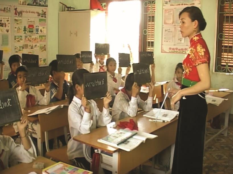 Lớp dạy học tiếng Thái trong Trường Tiểu học theo Đề án của UBND tỉnh Điện Biên.