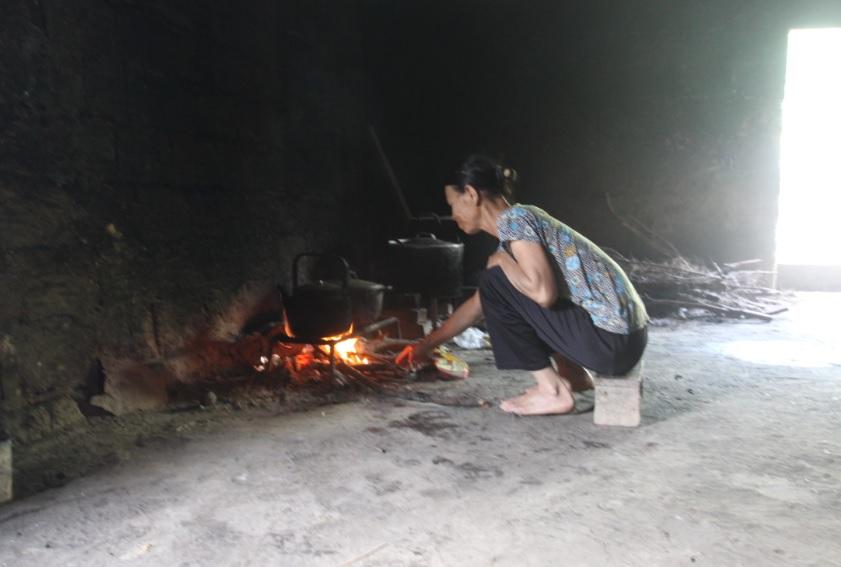 Đời sống của người dân vùng DTTS và miền núi vẫn còn nhiều khó khăn. (Ảnh chụp tại thôn Nà Ái, xã Quan Bản, huyện Lộc Bình, Lạng Sơn)