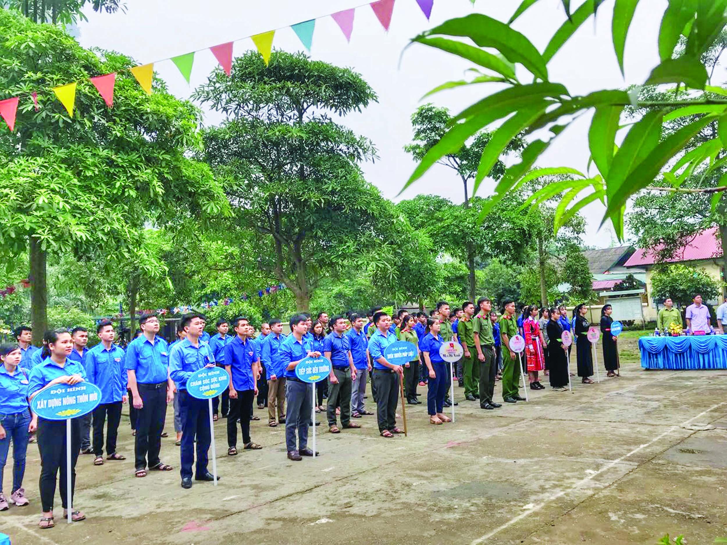 Huyện đoàn Lâm Bình tỉnh Tuyên Quang ra quân bảo vệ môi trường ngày 4/6/2019.