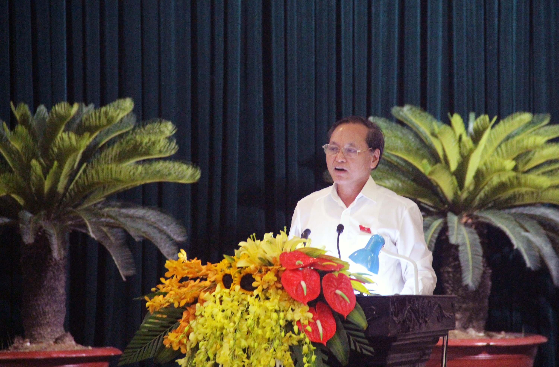 Ông Nguyễn Đức Quyền, Phó Chủ tịch thường trực UBND tỉnh Thanh Hóa, trả lời chất vấn.