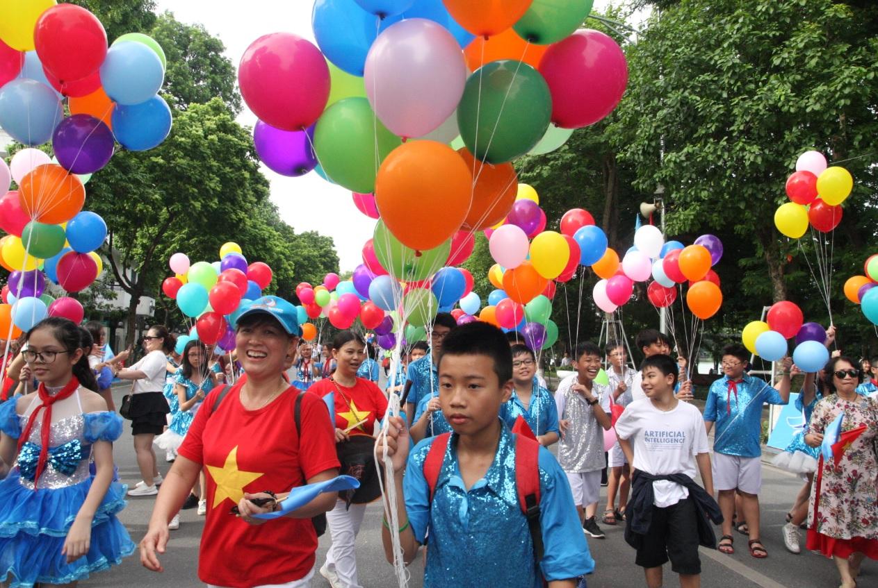 Người dân Thủ đô phấn khởi tham gia các hoạt động Lễ hội đường phố.