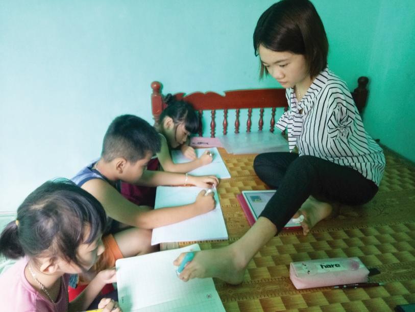 Cô gái xứ Thanh với nghị lực phi thường vượt lên số phận | Báo Dân tộc và  Phát triển