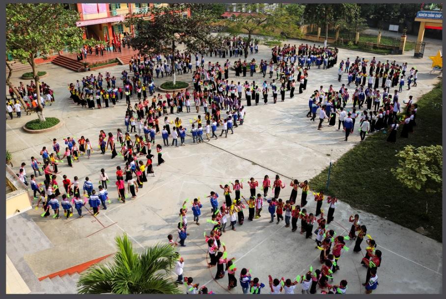 Việc đưa múa xòe vào trường học góp phần khơi dậy tình yêu văn hóa dân tộc cho thế hệ trẻ.