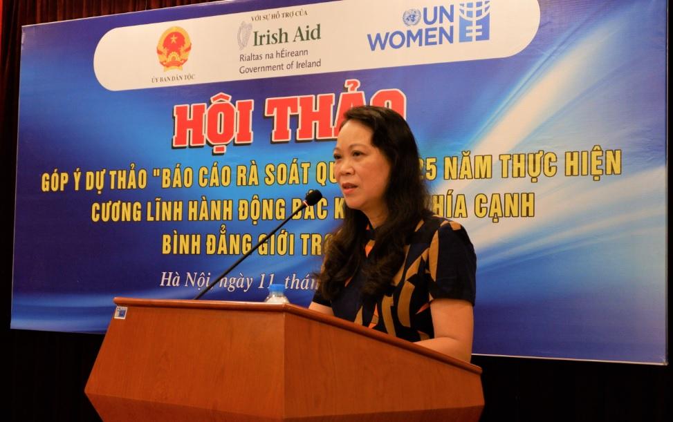 1.Thứ trưởng, Phó Chủ nhiệm UBDT Hoàng Thị Hạnh phát biểu khai mạc buổi Hội thảo