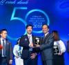 Ông Nguyễn Quốc Khánh, Giám đốc Điều hành Vinamilk đại diện nhận giải thưởng Top 50 Doanh nghiệp kinh doanh hiệu quả nhất Việt Nam 2018.