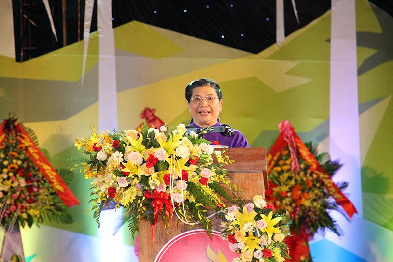 Bà Tòng Thị Phóng, Ủy viên Bộ Chính trị, Phó Chủ tịch Thường trực Quốc hội phát biểu tại Lễ kỷ niệm