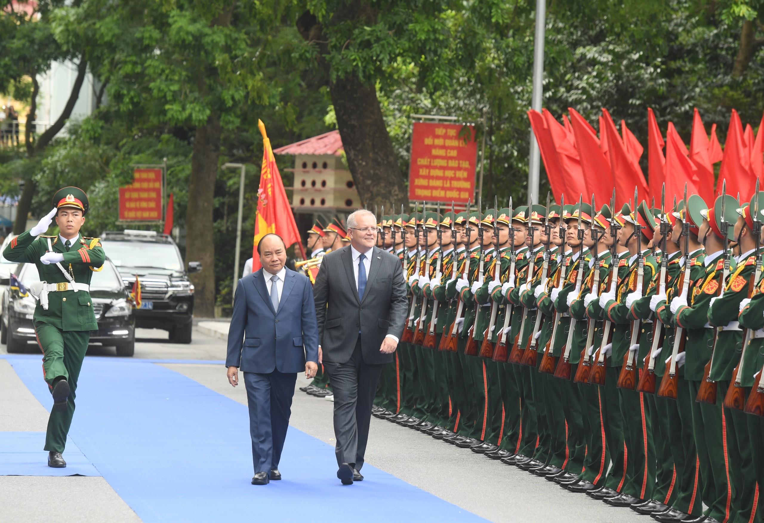 Thủ tướng Nguyễn Xuân Phúc và Thủ tướng Australia thăm Bệnh viện dã chiến số 2, cấp 2. Ảnh VGP