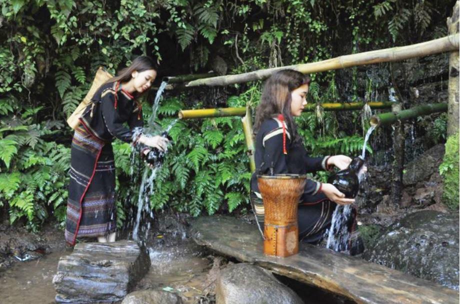 Trách nhiệm giữ gìn nguồn nước sạch đã ăn sâu trong tâm thức đồng bào M'nông. (Ảnh minh họa)