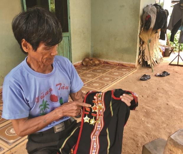 Kon Tum: Già làng kiêm trưởng ban công tác mặt trận gương mẫu