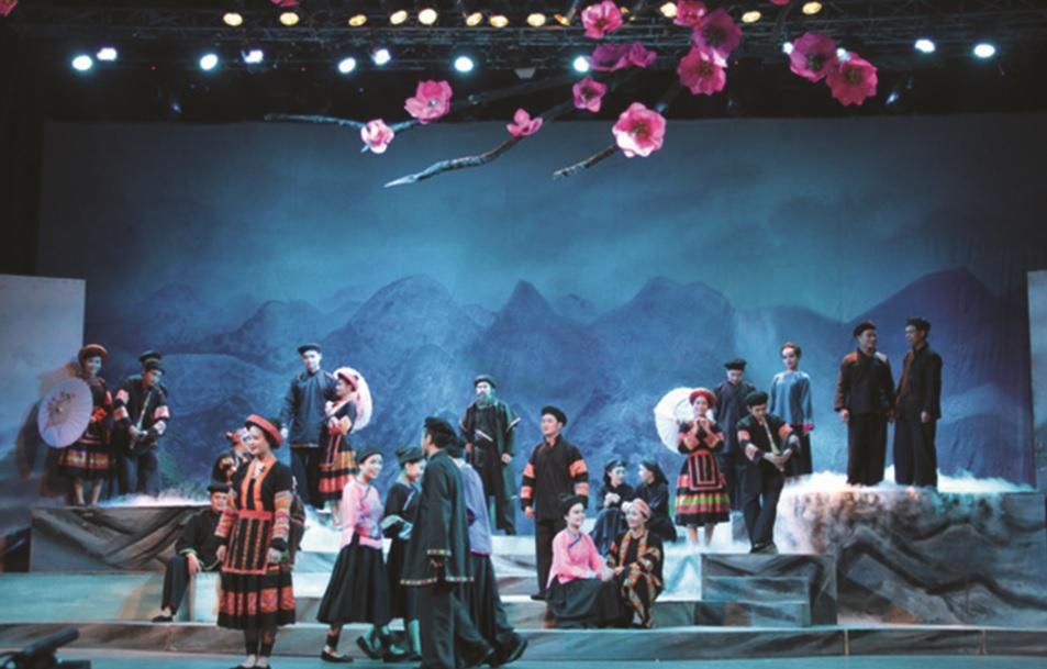 """""""Chuyện tình Khau Vai"""" tái hiện một góc chợ tình Khau Vai nổi tiếng ở Hà Giang với cảnh trí lãng mạn."""