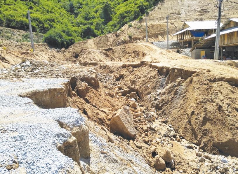 Tình hình sạt lỡ nghiêm trọng tại khu TĐC Na Chừa.