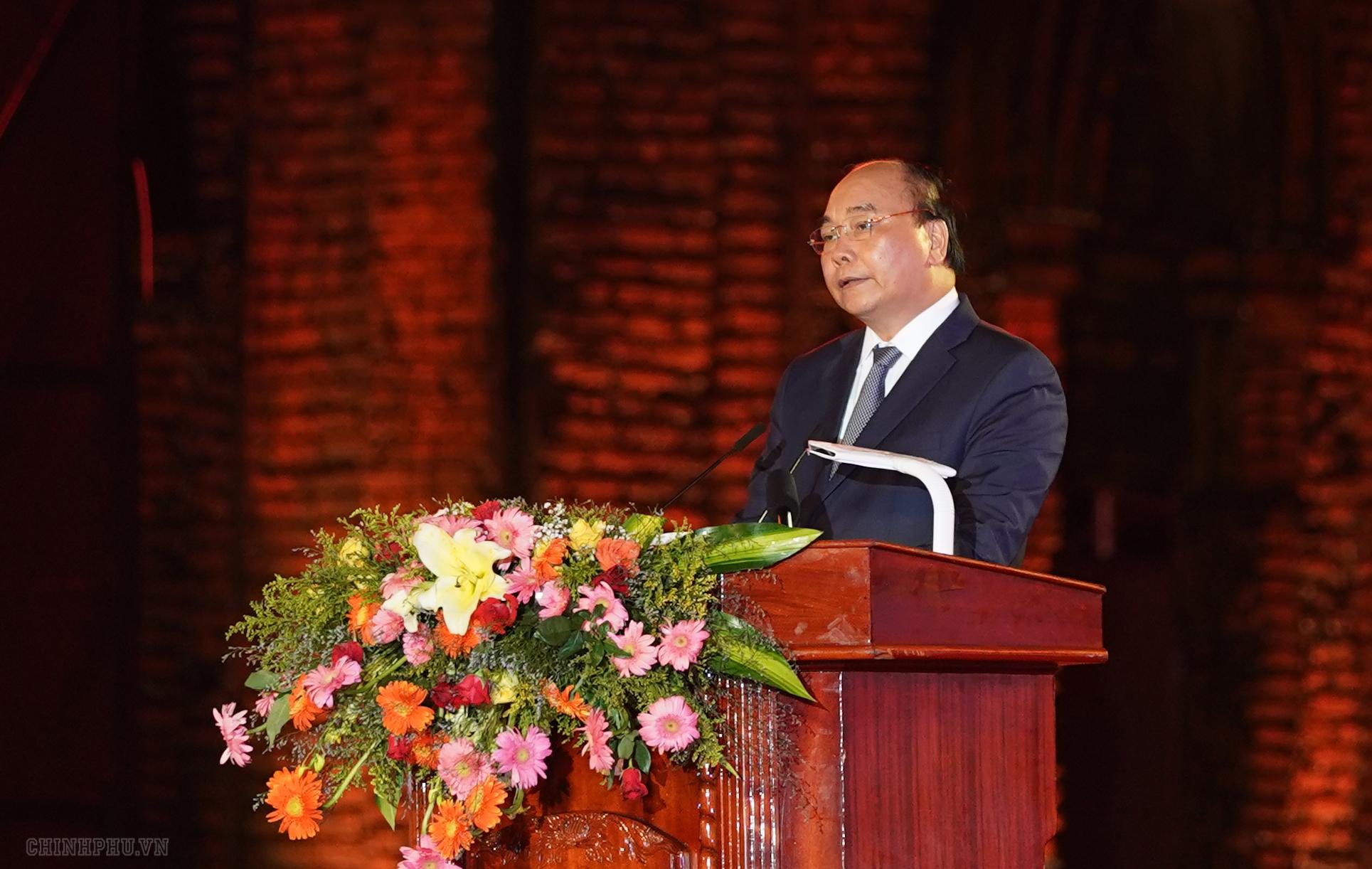 Thủ tướng Nguyễn Xuân Phúc phát biểu tại lễ kỷ niệm. - Ảnh: VGP/Quang Hiếu