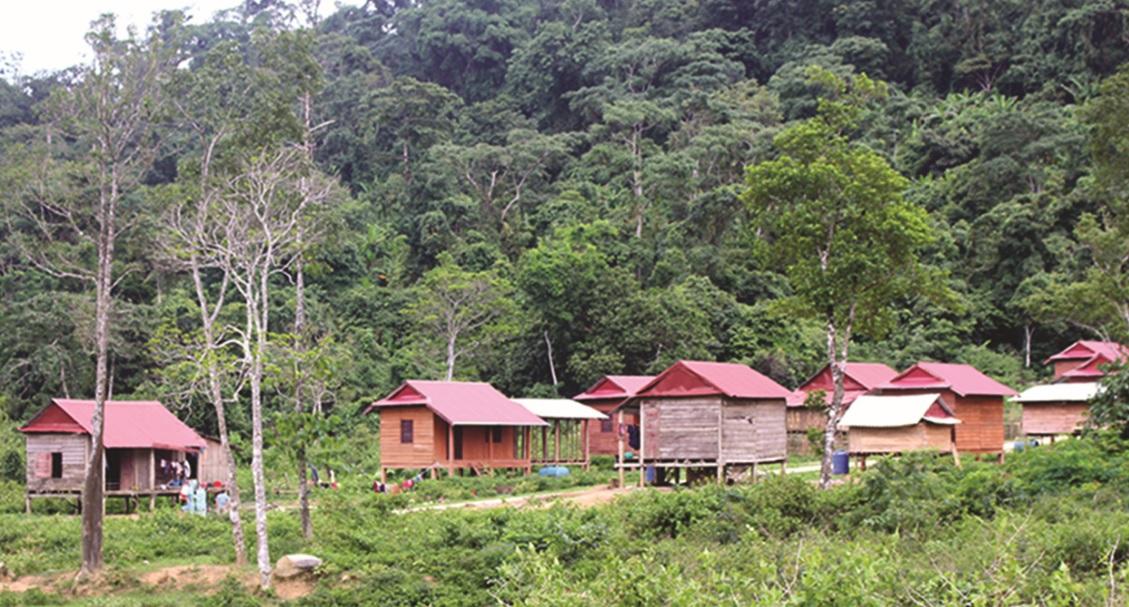 Diện mạo mới của bản làng đồng bào người Arem ở Tân Trạch.