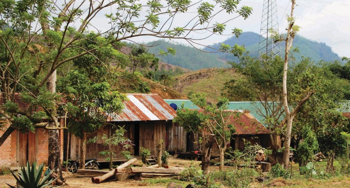 Nhiều hộ dân sống ở bìa rừng vẫn có thói quen ngủ không màn nên sốt rét tăng nhanh.