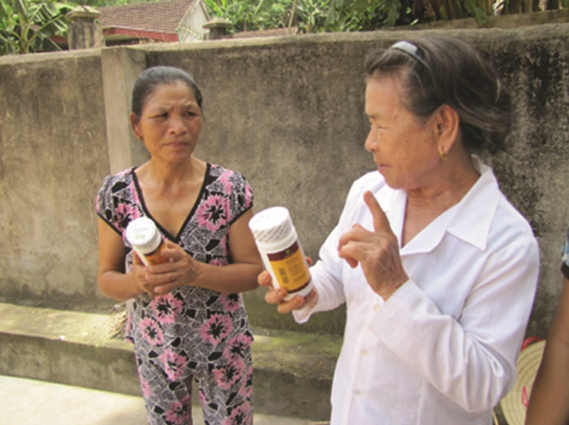 Nhiều người dân tiền mất tật mang do mua phải thực phẩm chức năng kém chất lượng. (Ảnh mang tính chất M.H)